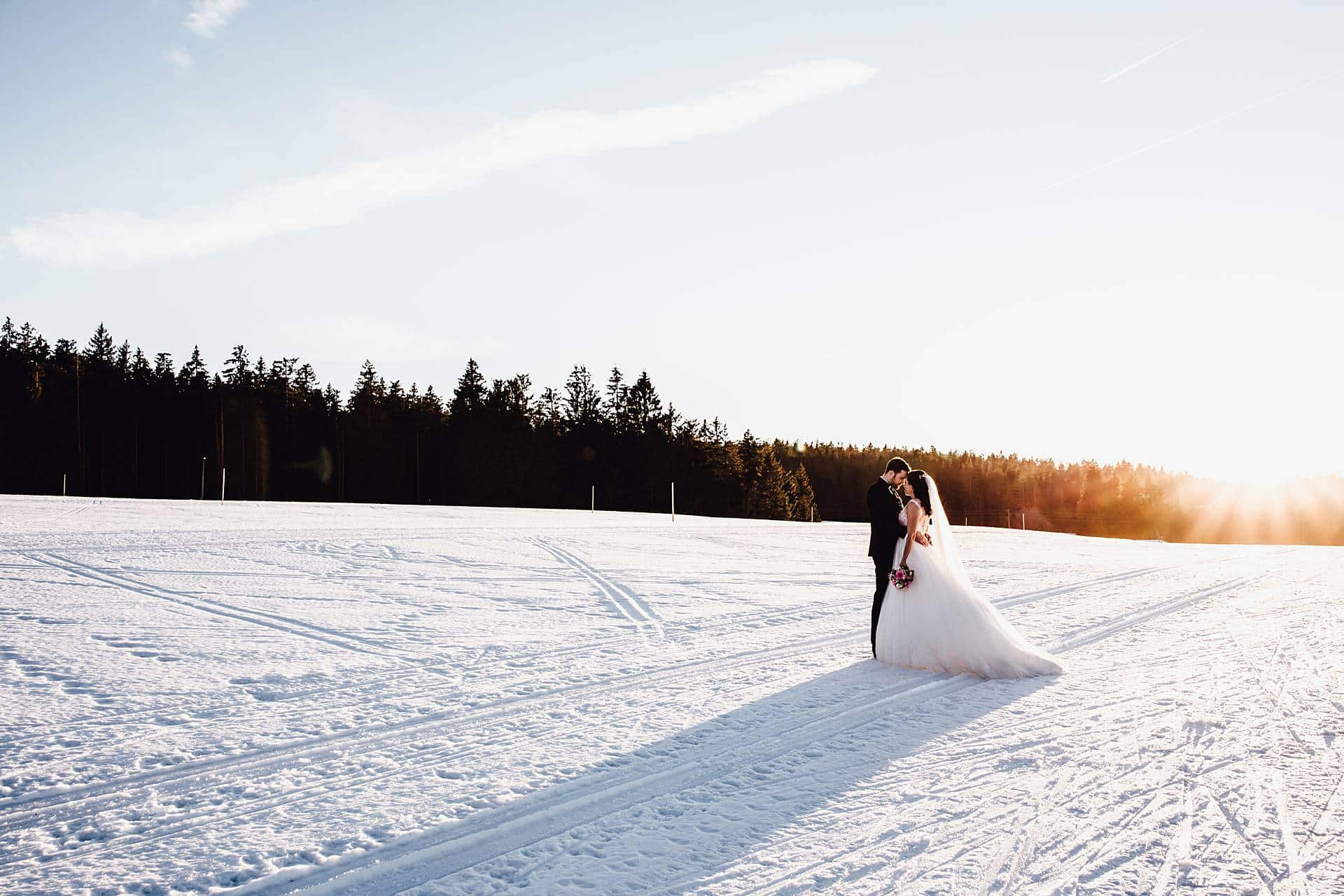 Hochzeitsshoot bei einer Winterhochzeit in Donaueschingen.